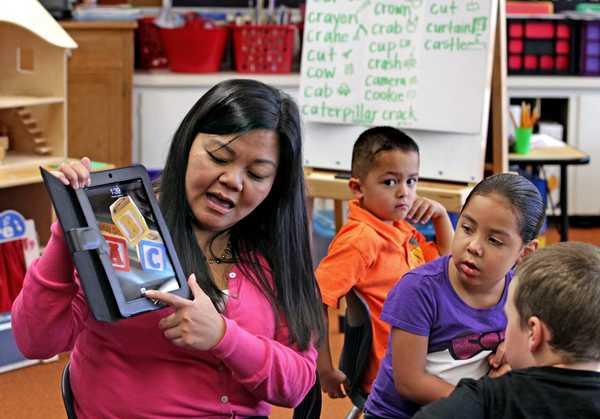 iPads in the classroom, K12 wireless network design, wifi companies,