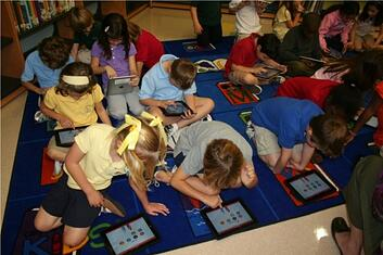 iPads in the classroom, byod vs 1 to 1, school wireless networks,