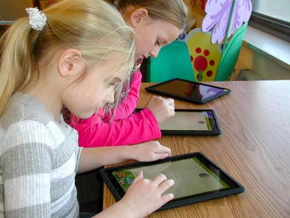 interactive content in education, ebooks in the classroom, school wireless network design, wifi service providers,