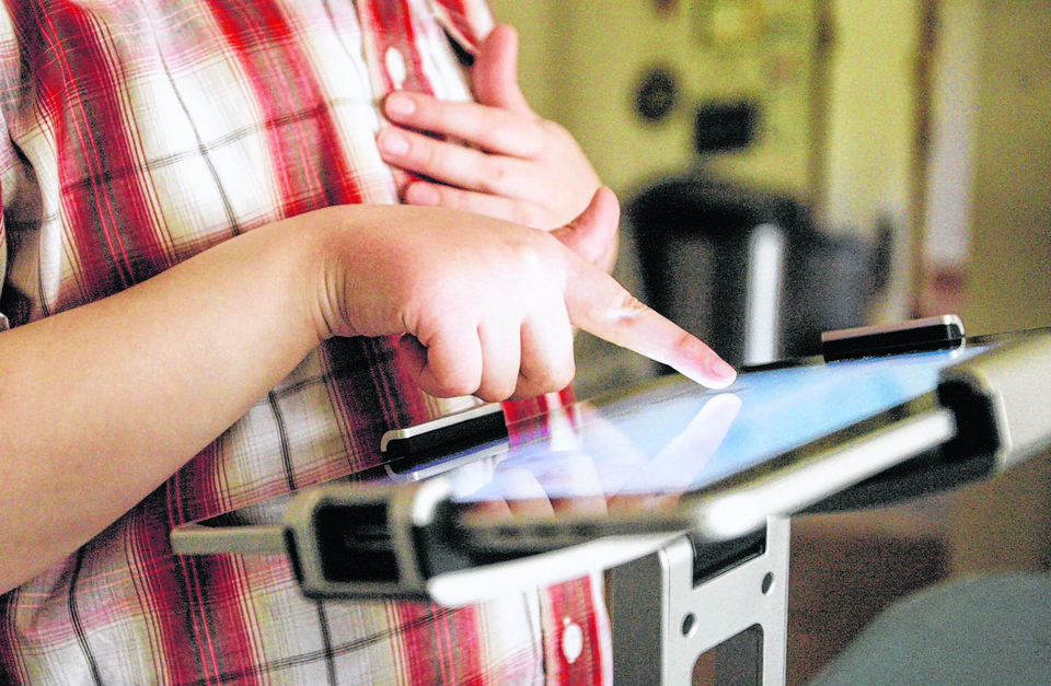 technology in the classroom, school wireless networks, iPads in the classroom,