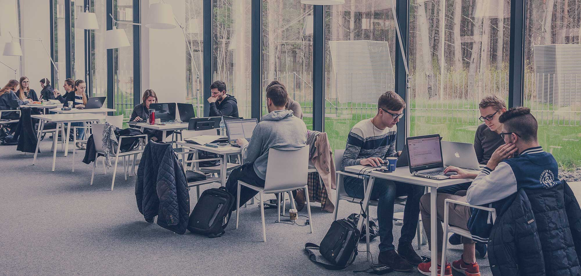 3 WLAN Design Tips that Will Improve the Campus Wi-Fi Experience