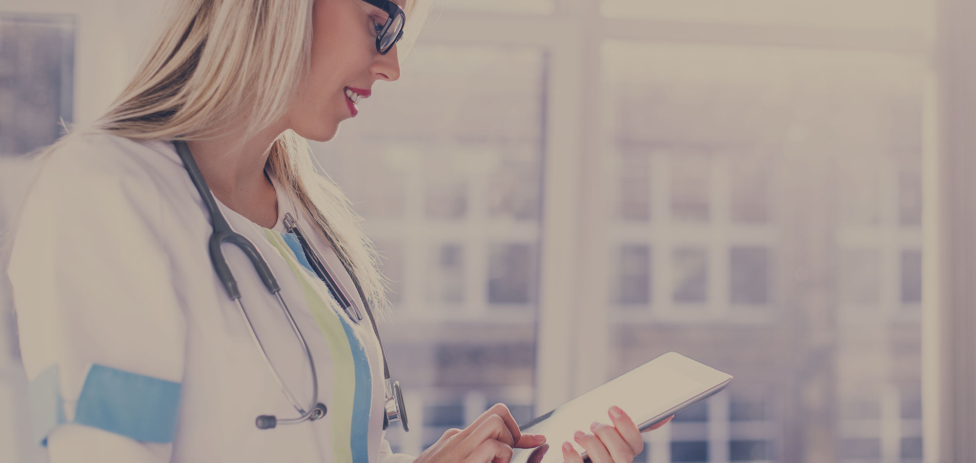 How to Increase Efficiency: A Handy Guide to Deploying a Robust, Hospital Wireless Network [Free Guide]