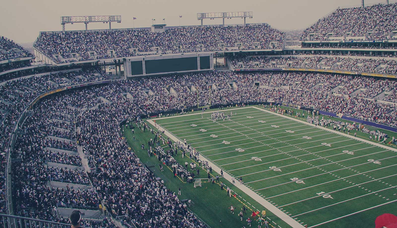 The Game-Day Experience: How Wi-Fi Networks and Mobility are Changing Today's Stadiums[Google Hangout]